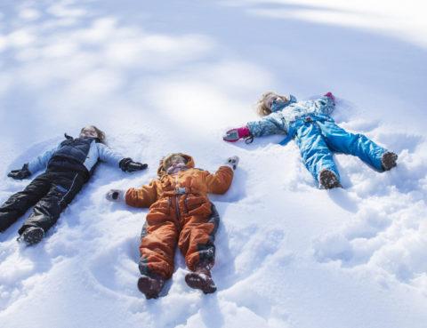 igre u snijegu sport djeca moda snijeg sankanje skijanje zimska odjeća obuća