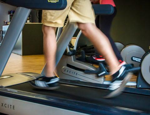 aerobna vježba, fitness, pravilno trčanje, tenisice za trčanje, trčanje, trčanje na traci, zagrijavanje