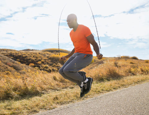 preskakanje-užeta vijača kardio trening zagrijavanje brzo preskakanje boks