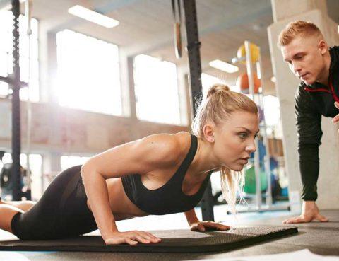 aplikacija za trening, kalorije, obuća, početnik u teretani, teretana, trener, trening, vježbanje